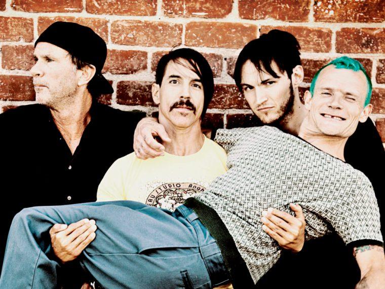 Red-Hot-Chili-Peppers-Dark-Dark-Necessities-band-1024x768